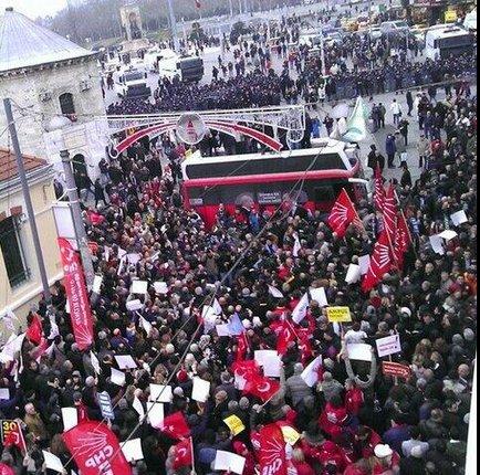 Sarıgül çağırdı Taksim'e gelen olmadı