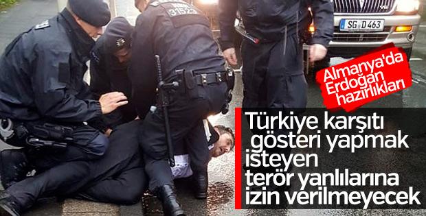 Almanya'da PKK yanlılarının gösterilerine yasak