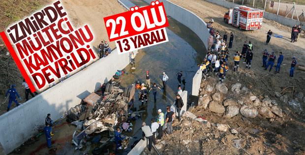 İzmir'de göçmenleri taşıyan kamyon devrildi