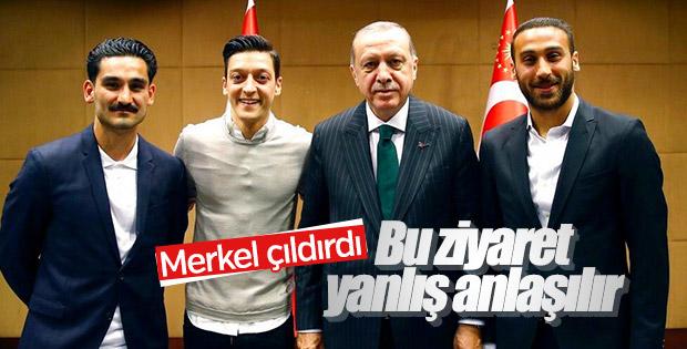 Merkel'den Erdoğan'ı ziyaret eden Mesut ve İlkay'a baskı