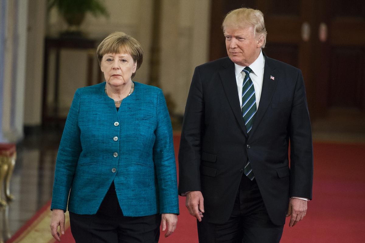 наши стихи фото трамп меркель встреча женщин зала, учит