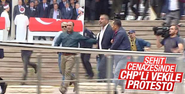 Şehit cenazesinde CHP'li Gök'ü protesto edenlere gözaltı