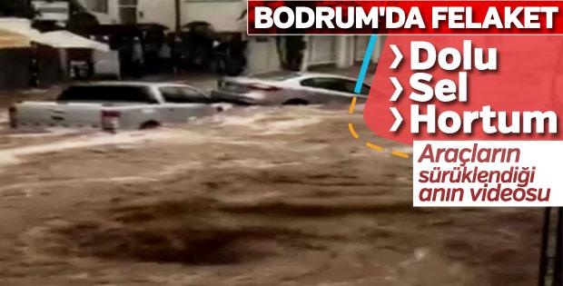 Bodrum'da sel felaketi: Arabalar sürüklendi