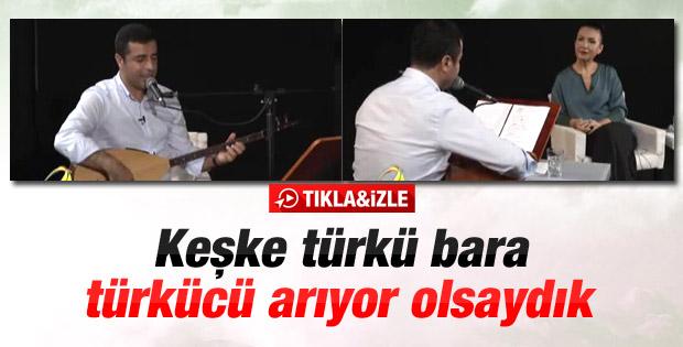 Selahattin Demirtaş'dan bağlama şov - İzle