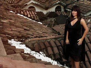 Sibel Can Kapalı Çarşı'nın çatısına çıktı