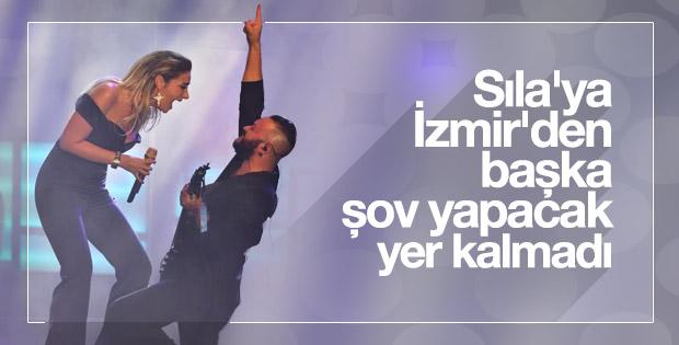 Sıla uzun bir aradan sonra İzmir'de konser verdi