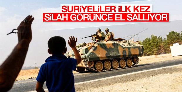 Türk askerini görünce sevinen Suriyeliler