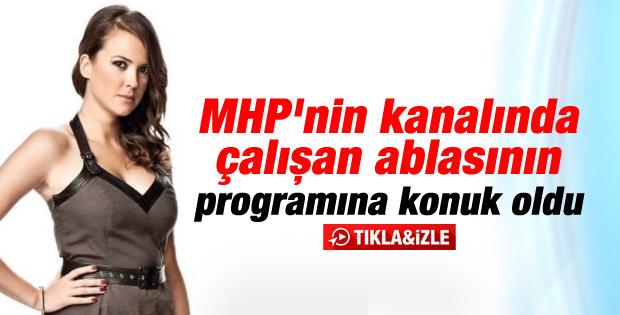 Simge Fıstıkoğlu ablası Sinem'in programına konuk oldu