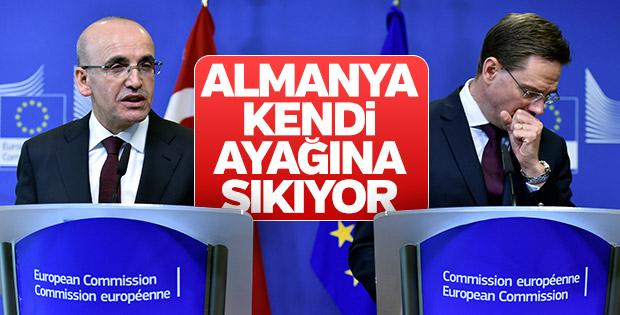 Mehmet Şimşek'ten Almanya'ya Gümrük Birliği uyarısı