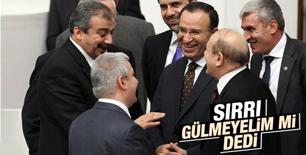 Sırrı Süreyya Önder fotoğraflara cevap verdi
