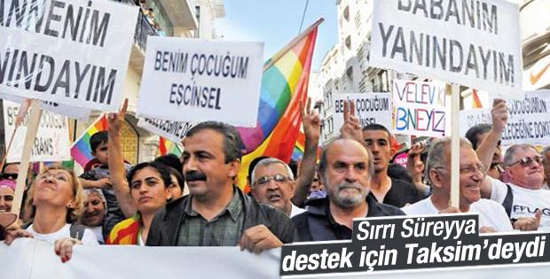 Sırrı Süreyya Önder destek için Taksim'deydi