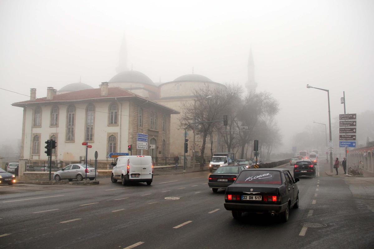 Edirne'de sis görüş mesafesini düşürdü