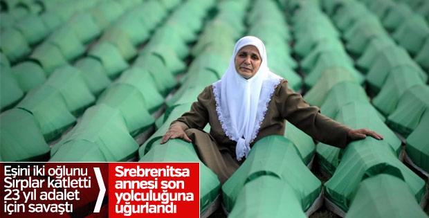 Srebrenitsa'nın sembol annesi toprağa verildi