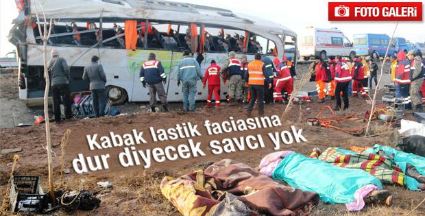 Sivas'ta yolcu otobüsü devrildi - izle