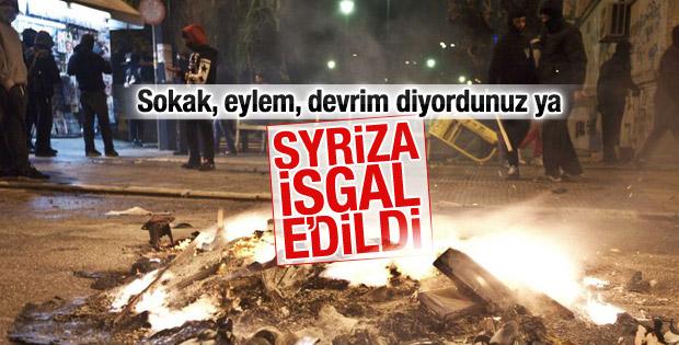 Yunanistan'da Syriza'nın genel merkezi işgal edildi