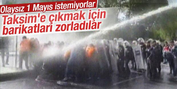 Taksim'e yürümek isteyen gruba polis müdahale etti