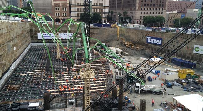 ABD'de gökdelen temeli için 38 bin ton beton kullanıldı