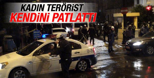 Sultanahmet'te polise saldırı
