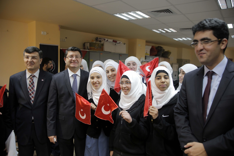 TİKA'dan Kudüs'teki okullara ekipman desteği
