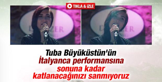 Tuba Büyüküstün'ün İtalyanca şarkı performansı