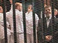 Mursi yeniden hakim karşısına çıktı
