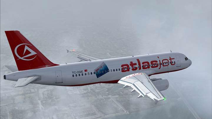 Kırım'a giden Türk uçağı geri dönüyor