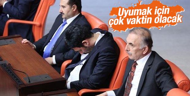 AK Parti'de Uğur Işılak çizik yedi