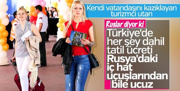 Ruslar Türkiye'deki ucuz tatilden memnun