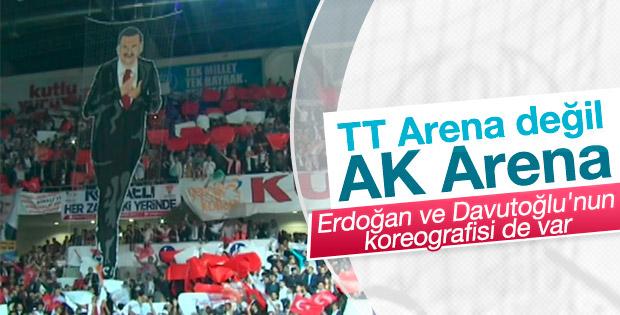 AK Partililerden 3 lidere koreografi