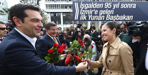 Çipras Davutoğlu'yla birlikte İzmir'de