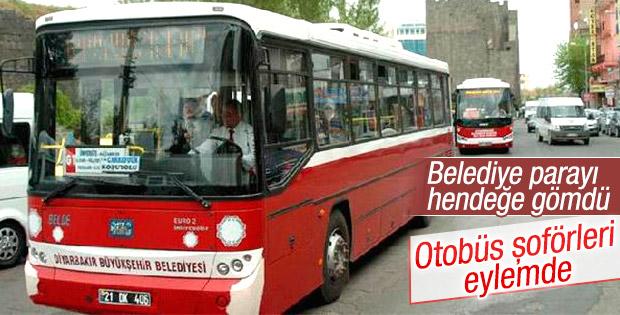 Diyarbakır'da HDP'li belediyeye kızan şoförler eylemde