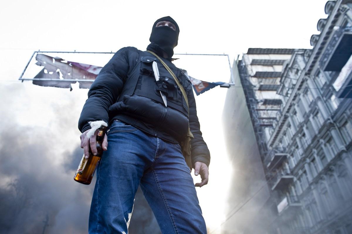 Ukrayna'da eylemciler 67 polisi rehin aldı