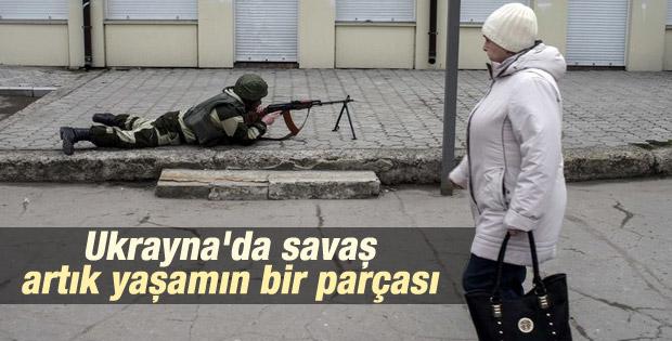 Ukrayna'da halk çatışmalara alıştı