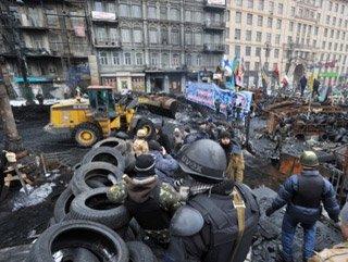 Ukrayna'da göstericiler geri çekiliyor