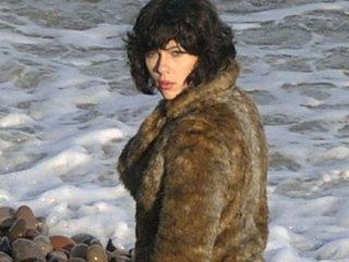 Under The Skin filminden ilk uzun fragman - Tıkla İzle