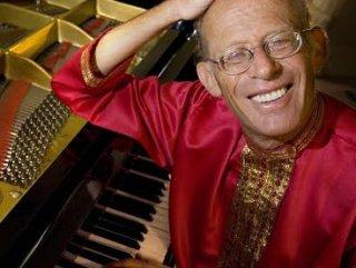 Ünlü piyanist David Helfgott Türkiye'ye geliyor