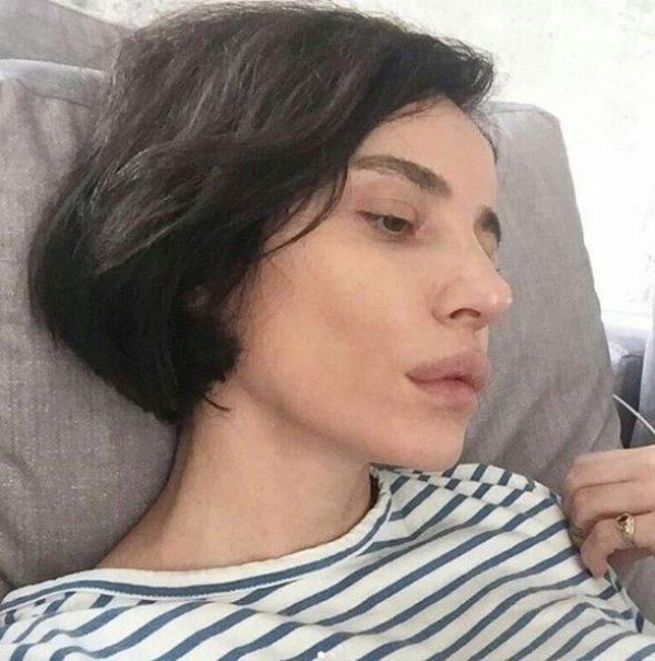 Ebru Gündeş de köfte dudak oldu