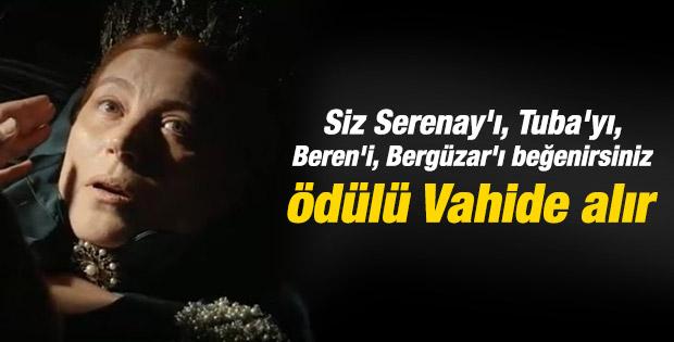 Vahide Perçin'e en iyi kadın oyuncu ödülü