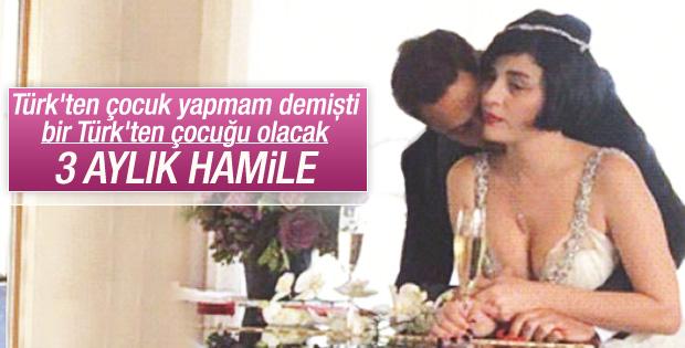 Gonca Vuslateri'nin bir Türk'ten çocuğu olacak