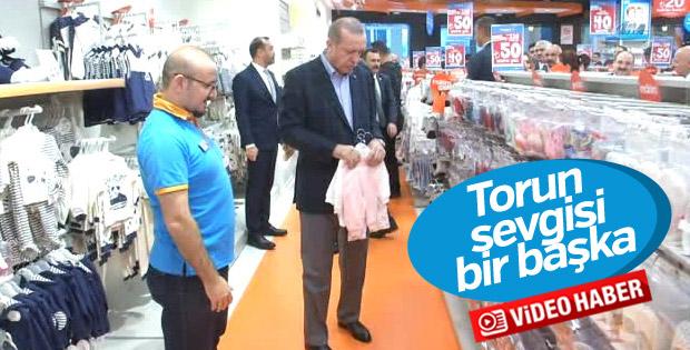 Cumhurbaşkanı Erdoğan torunu için alışveriş yaptı