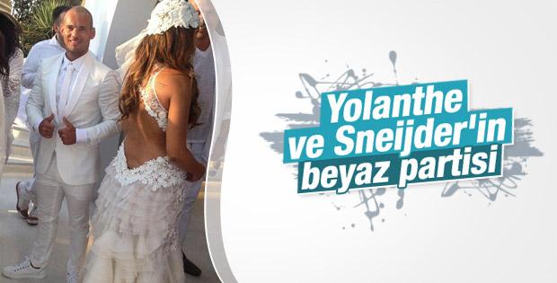 Yolanthe ve Sneijder parti verdi