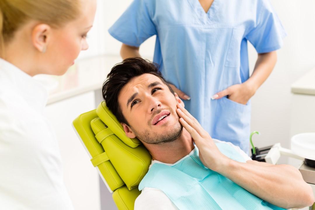 Diş çekimi sonrası ağrı ve kanamaya karşı çözüm #1