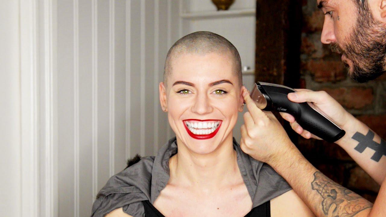 Kadınların saçlarını tıraş etmesinin 5 nedeni #1