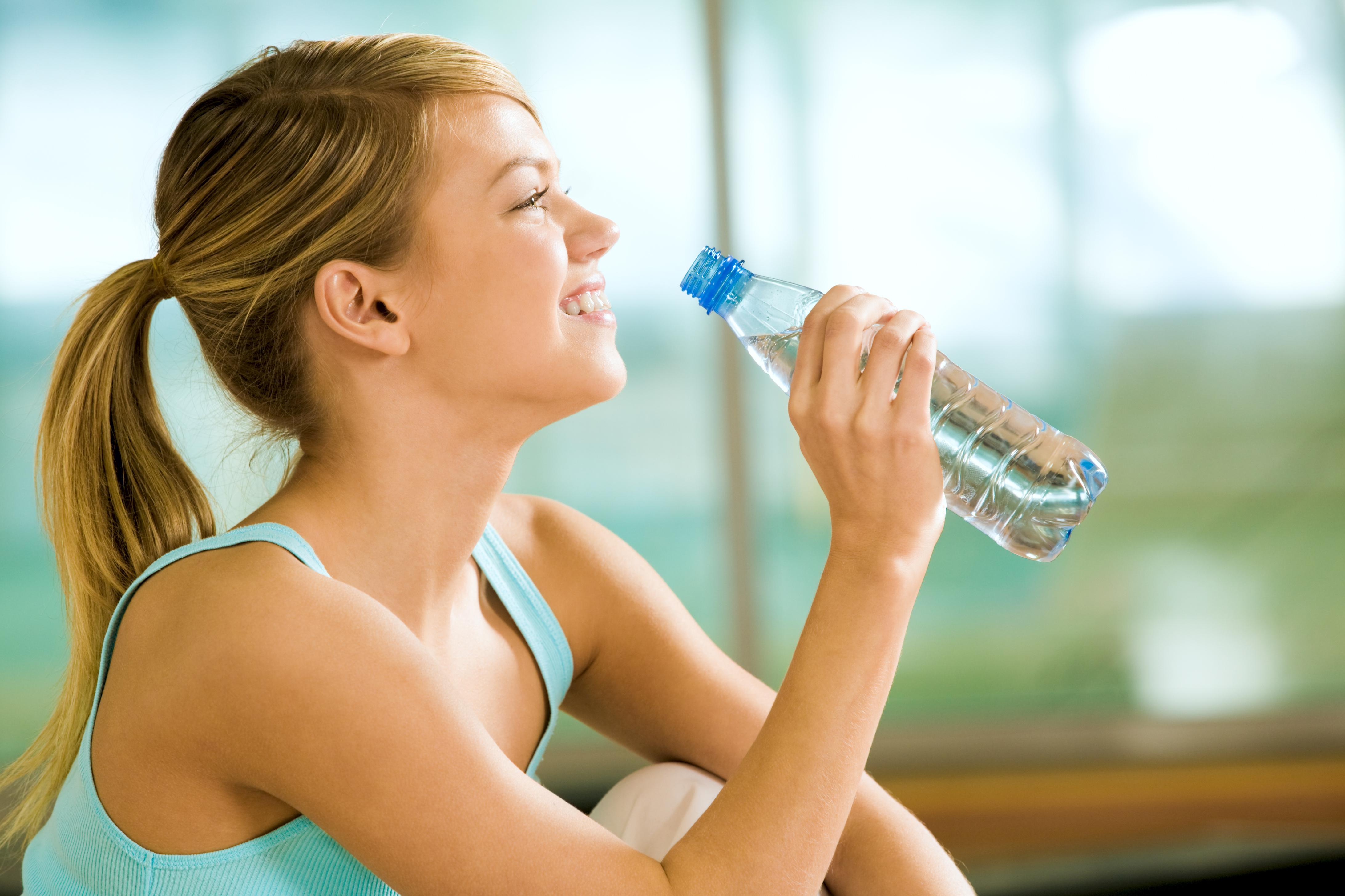 Bir bardak kuralı su içme alışkanlığı kazandırıyor #2