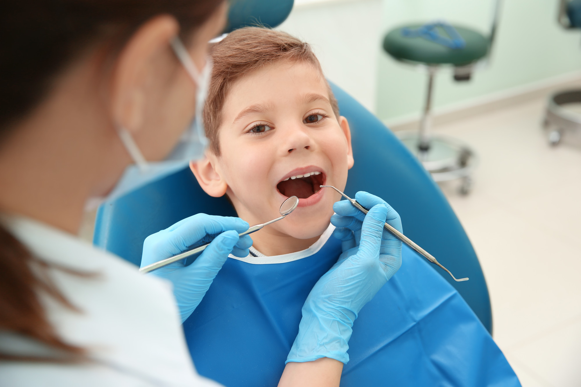 Çocuklarda parmak emme alışkanlığı diş yapısını bozuyor #1