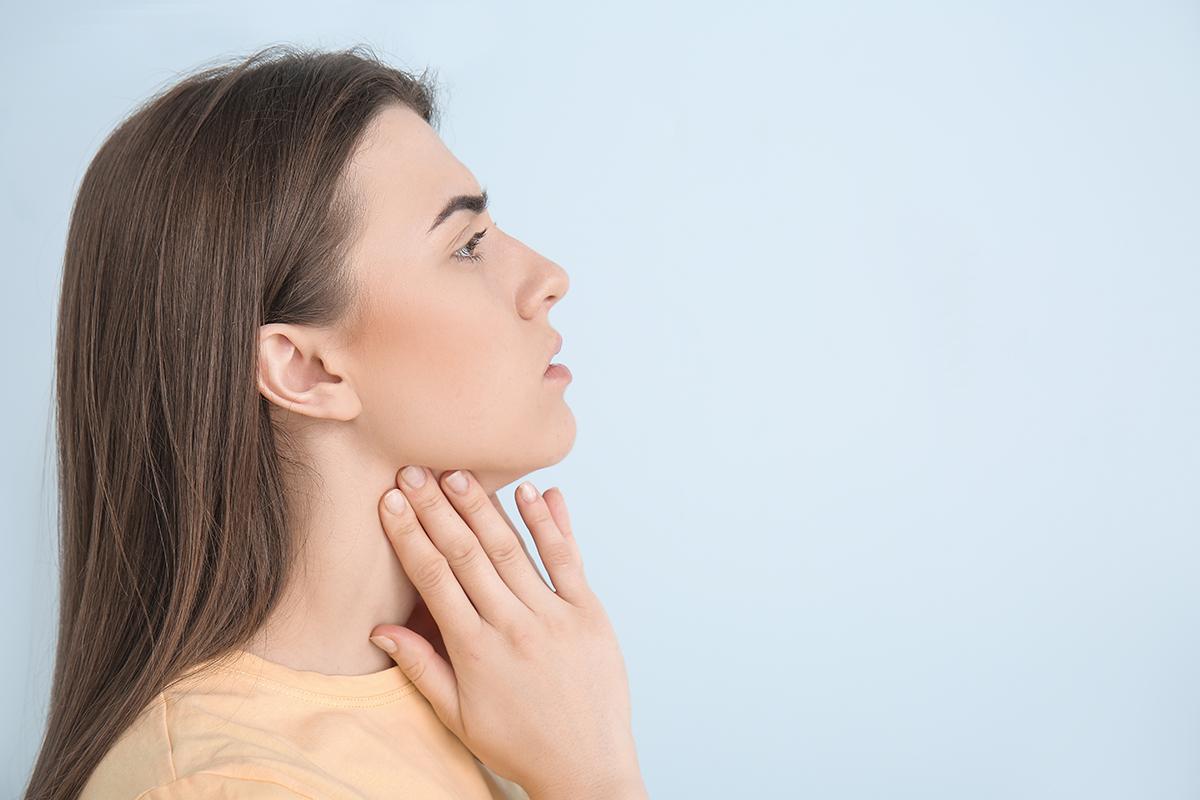 Baş ve boyun kanserlerinin sık rastlanan belirtileri #1