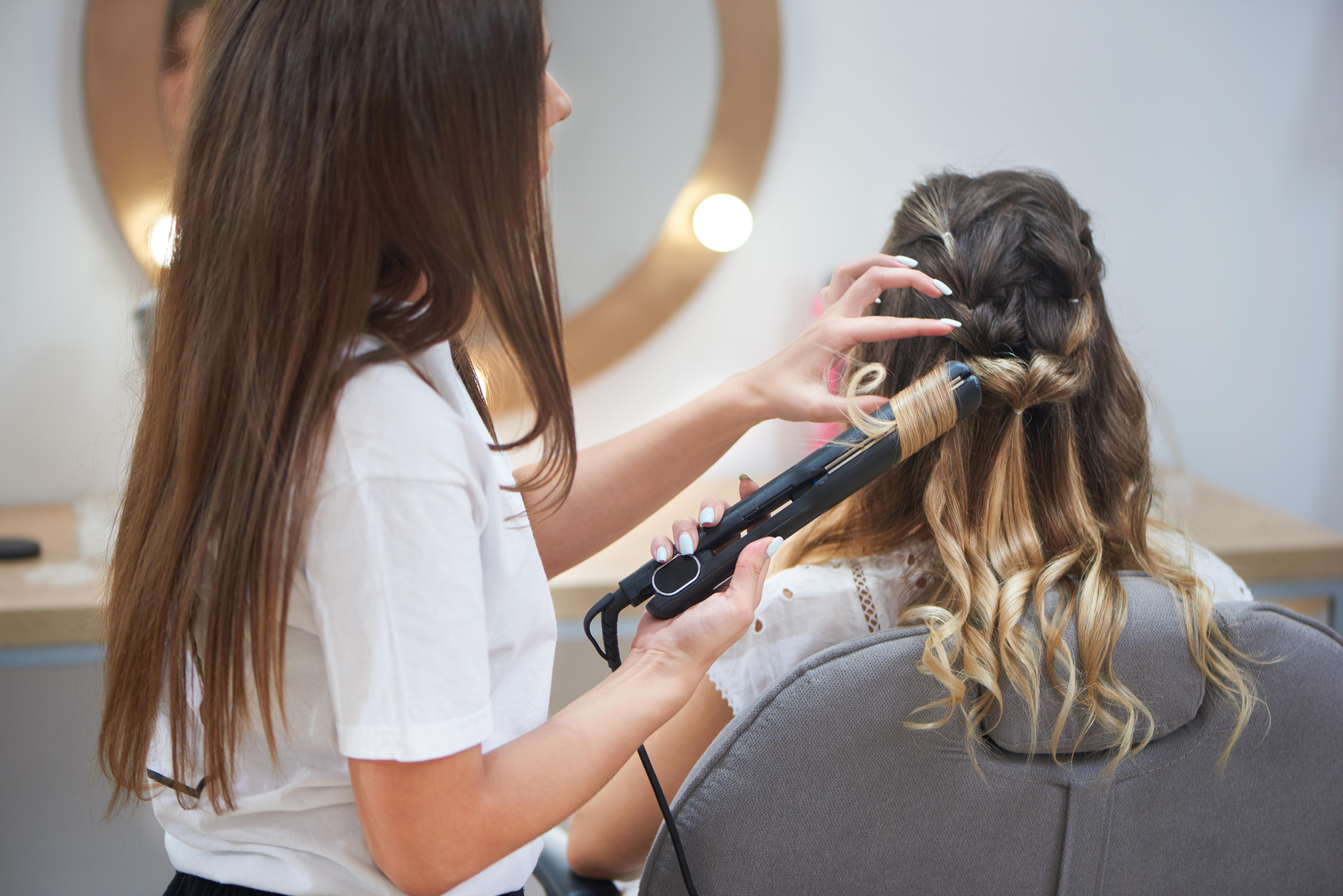 Saç şekillendiricilerini hangi sıklıkta kullanabilirsiniz #1