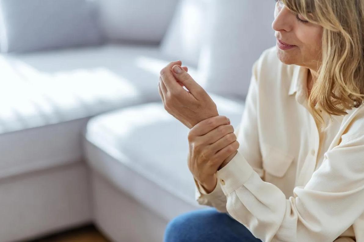 Menopoz kaynaklı şikayetler tedavi edilebilir #1