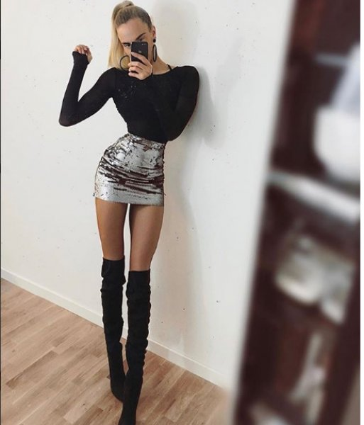 Swedish model Ia Ostergren shows off her 40-inch legs