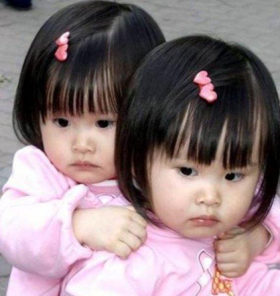 En güzel ikiz bebek fotoğrafları